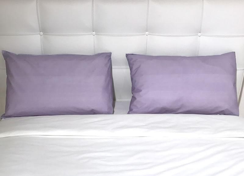 Taies d'oreiller et jetés de lit colorés taies d'oreiller bio color